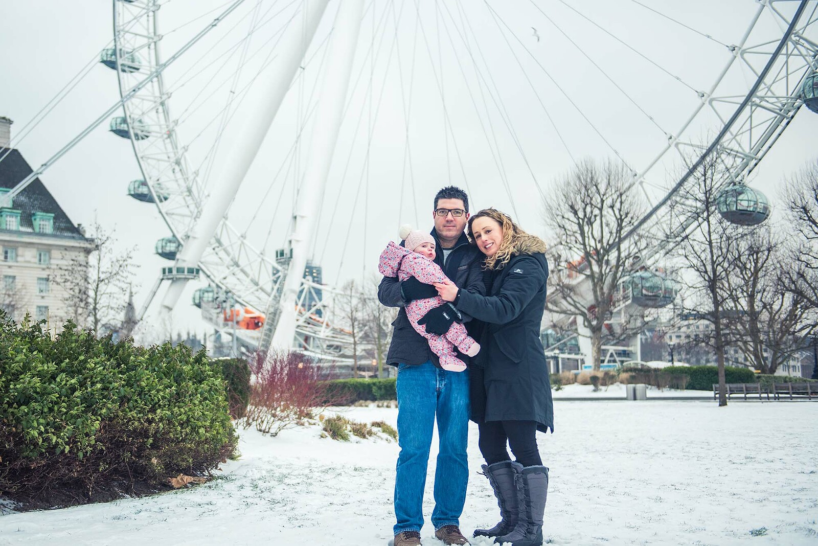 Family Portraits in the snow at Southbank
